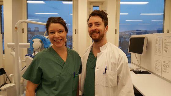 Spesialistkandidatene Kristine Lindstad Matri og Christoffer Skøyen reiser på 3 måneder utveksling til University of Western Cape i juni
